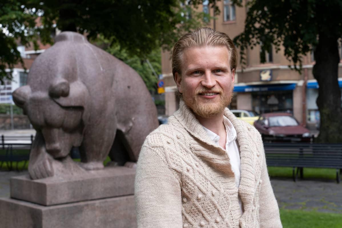 Jari Hanska, tietokirjailija, toimittaja