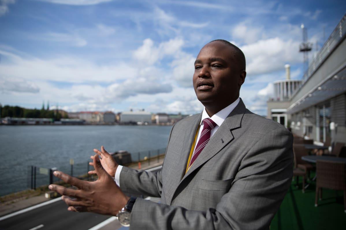 Patrick Mweheiri, toimitusjohtaja, Stanbic Bank