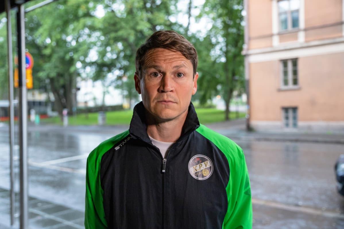 Jani Uotinen aloitti KPV:n päävalmentajana heinäkuussa. Uotisen sopimus kattaa myös kauden 2020.