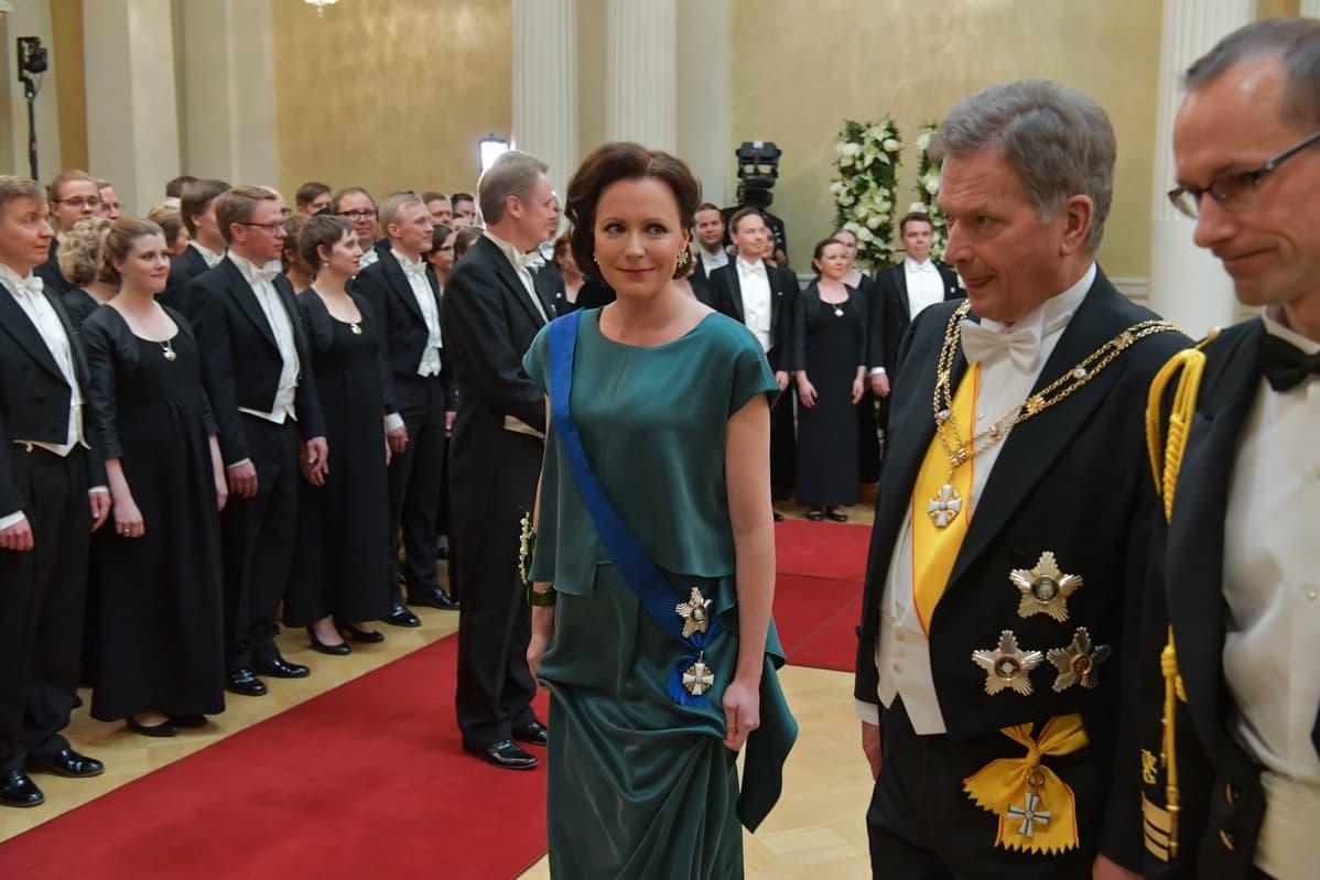 Itsenäisyyspäivän Juhlavastaanotto Presidentinlinnassa. Jenni Haukio ja Sauli Niinistö.