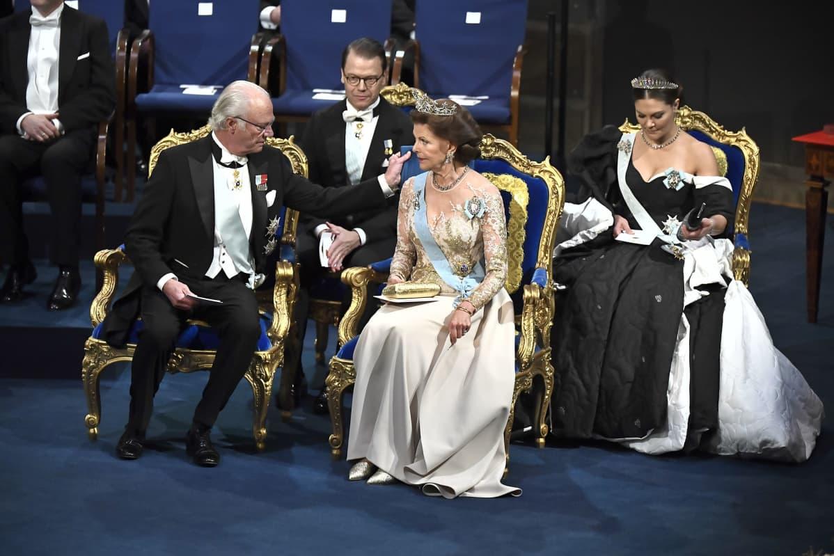 Ruotsin kuninkaalliset Nobel palkintoseremoniassa 10 joulukuuta 2019.