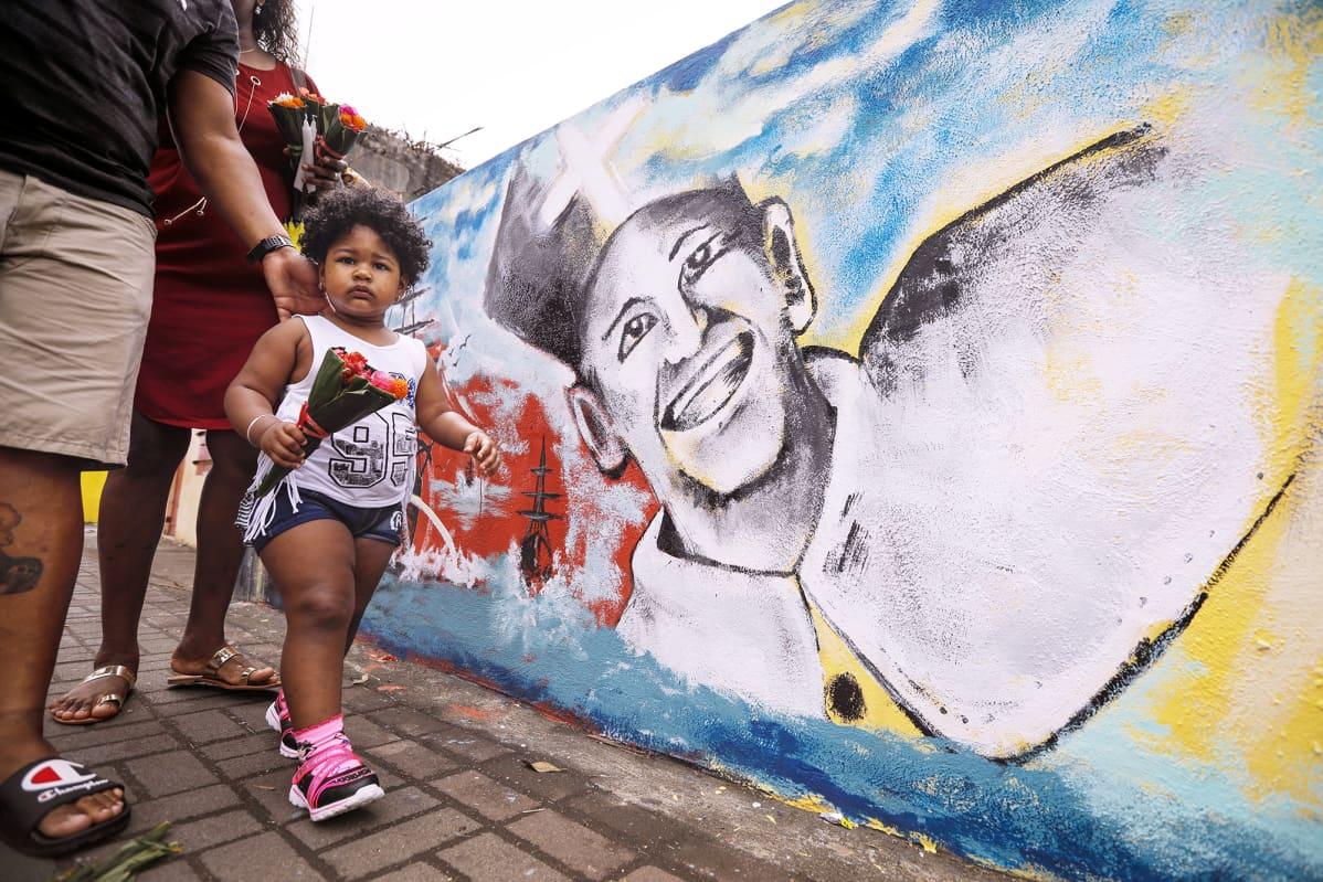 Paavista maalattu muraali Mauritiuksella.
