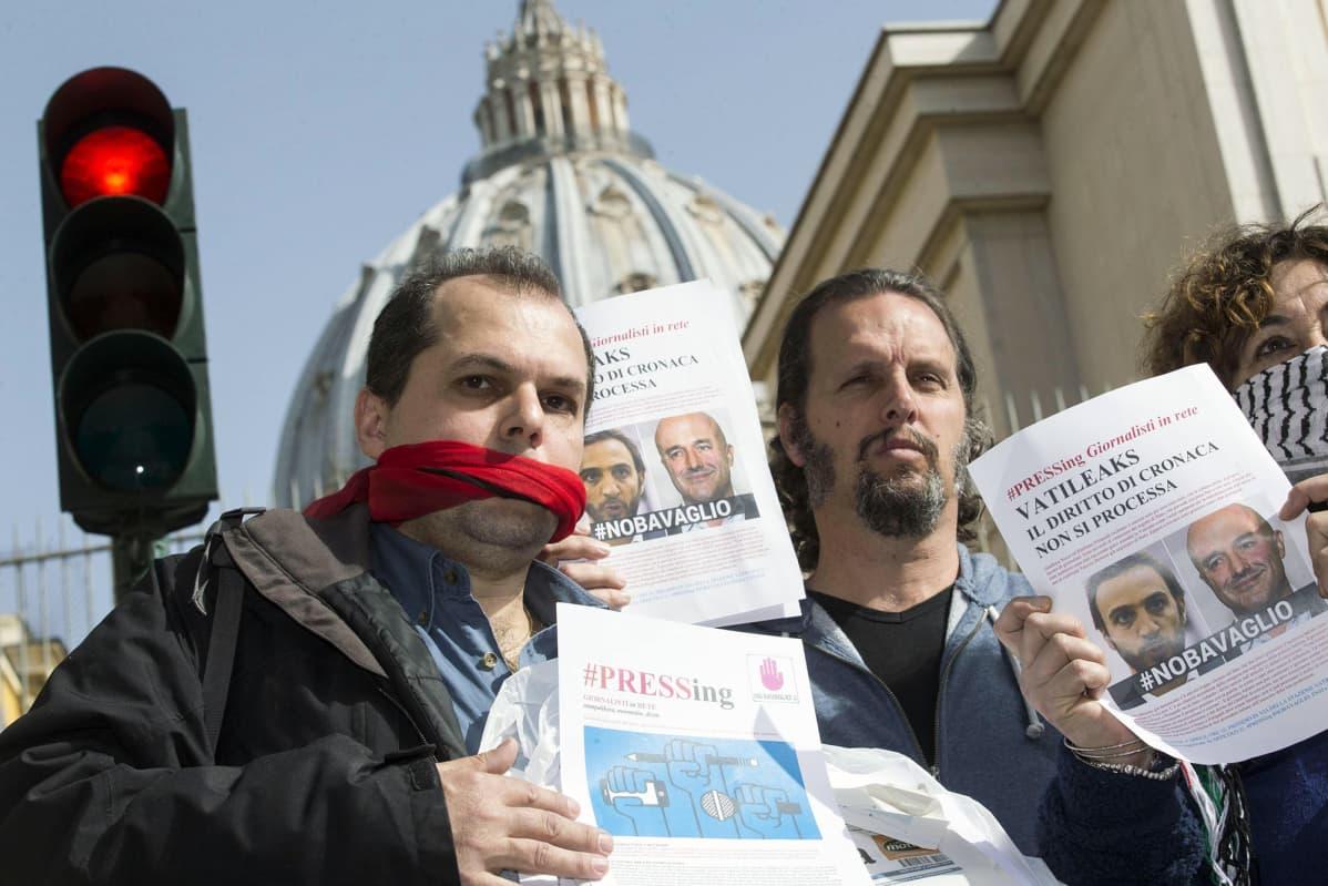 Italian journalistiliitto FNSI:n mielenosoitus Roomassa.