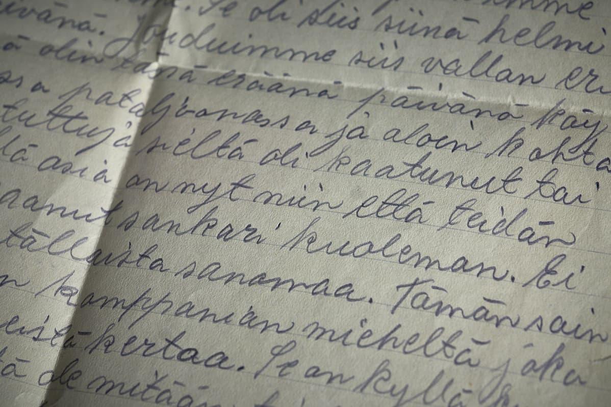 Kirje jossa on tietoa pojan kuolemasta.