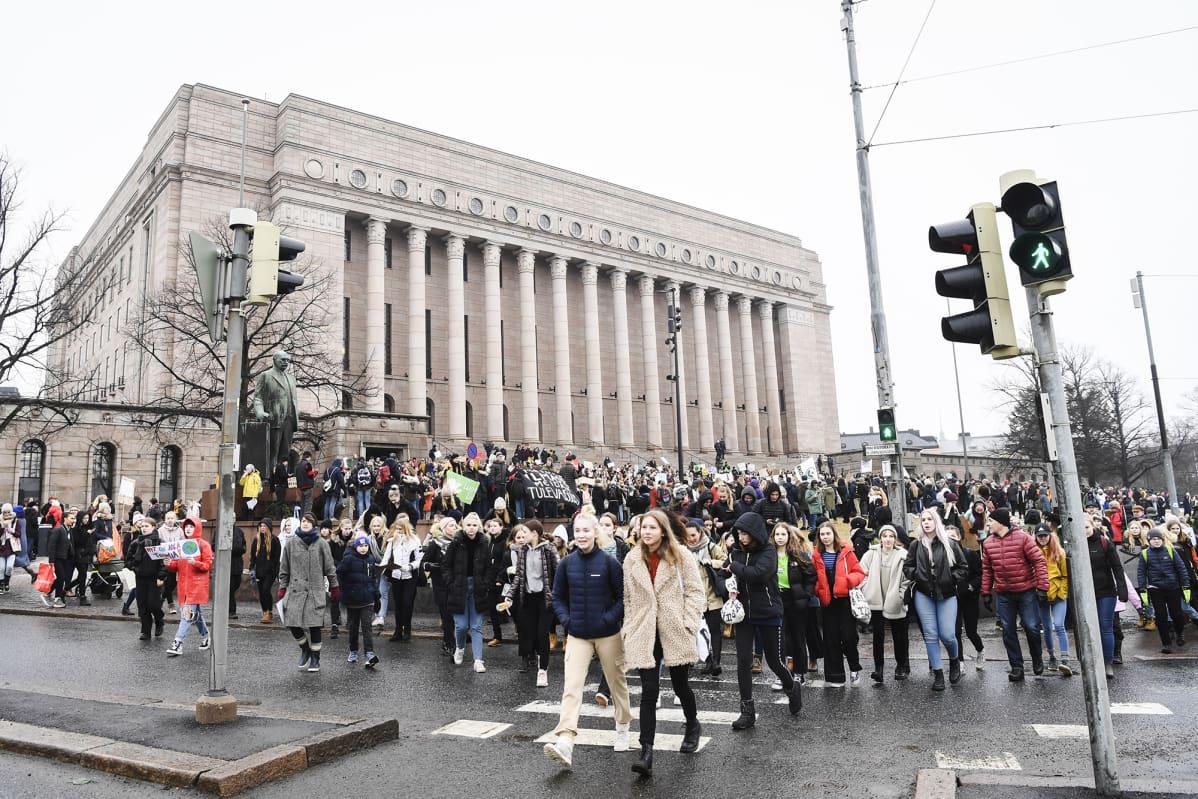 Ilmastomarssi Helsingissä maaliskuussa 2019.