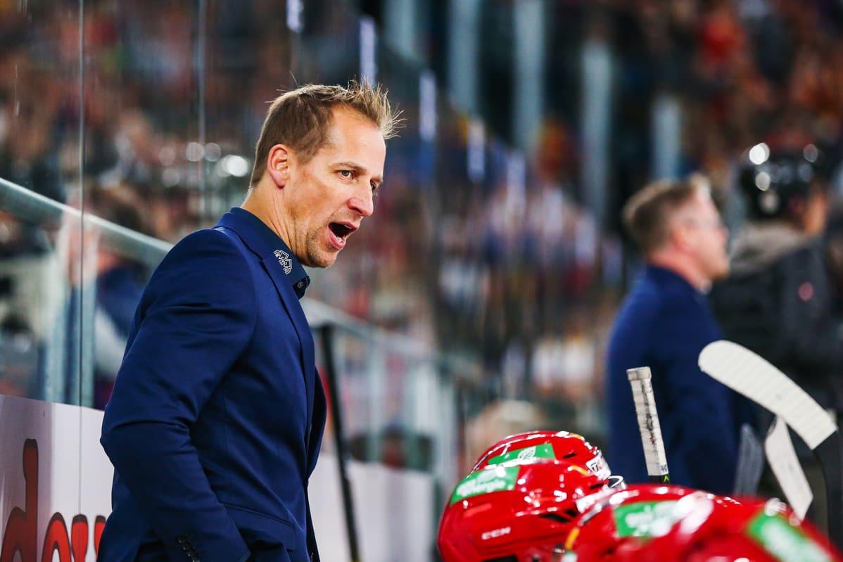 Valmentaja Antti Törmänen.