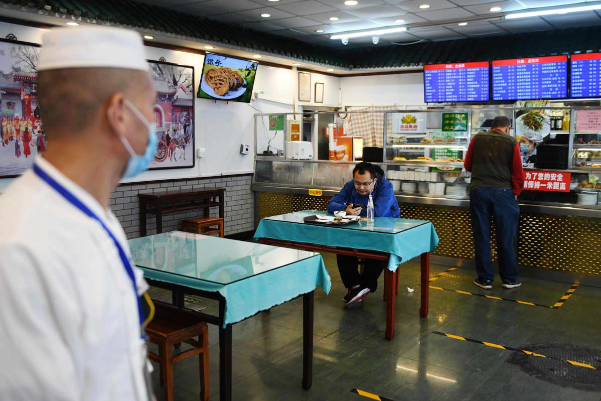 Kuvassa on ravintola Kiinassa.