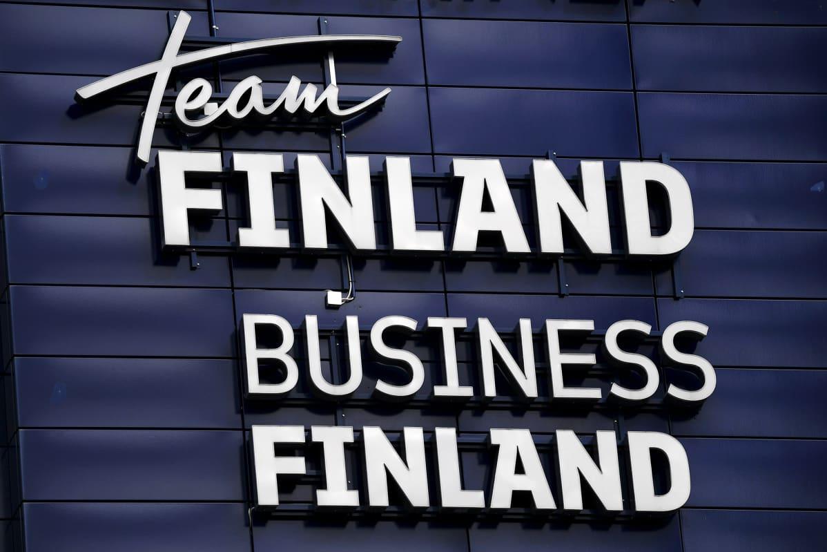 Team Finlandin ja Business Finlandin logot Helsingissä 20. huhtikuuta 2020.
