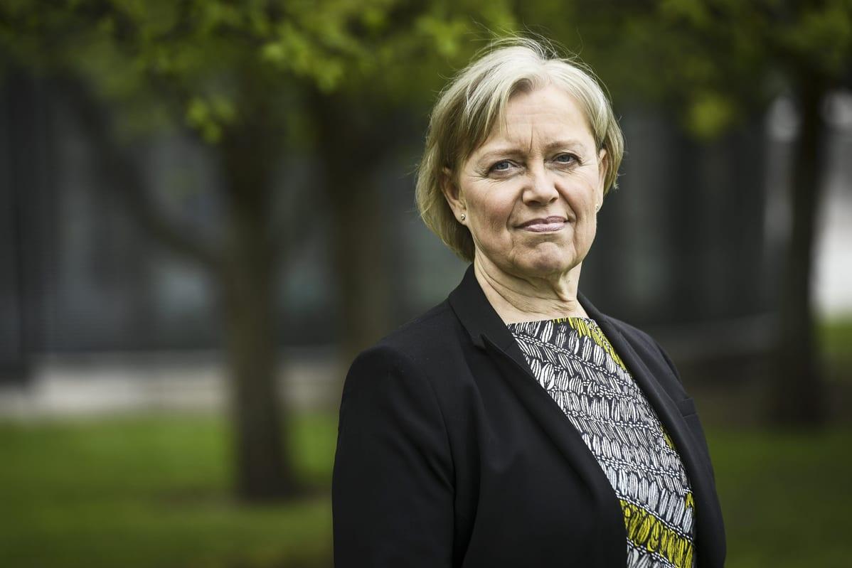 Kuvassa on apulaisoikeusasiamies Maija Sakslin.