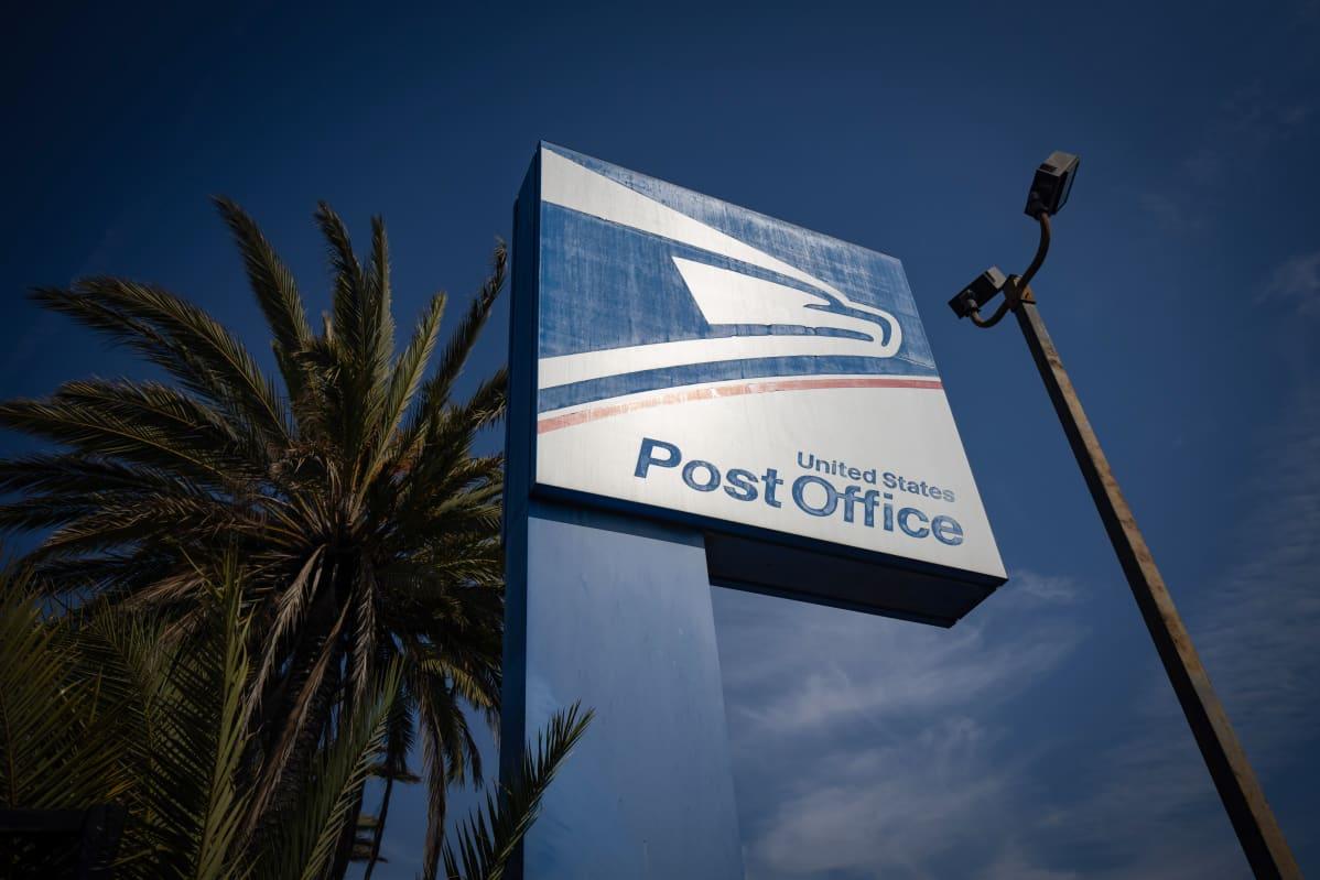 USPS united states post officen kyltti Los Angelesissa.