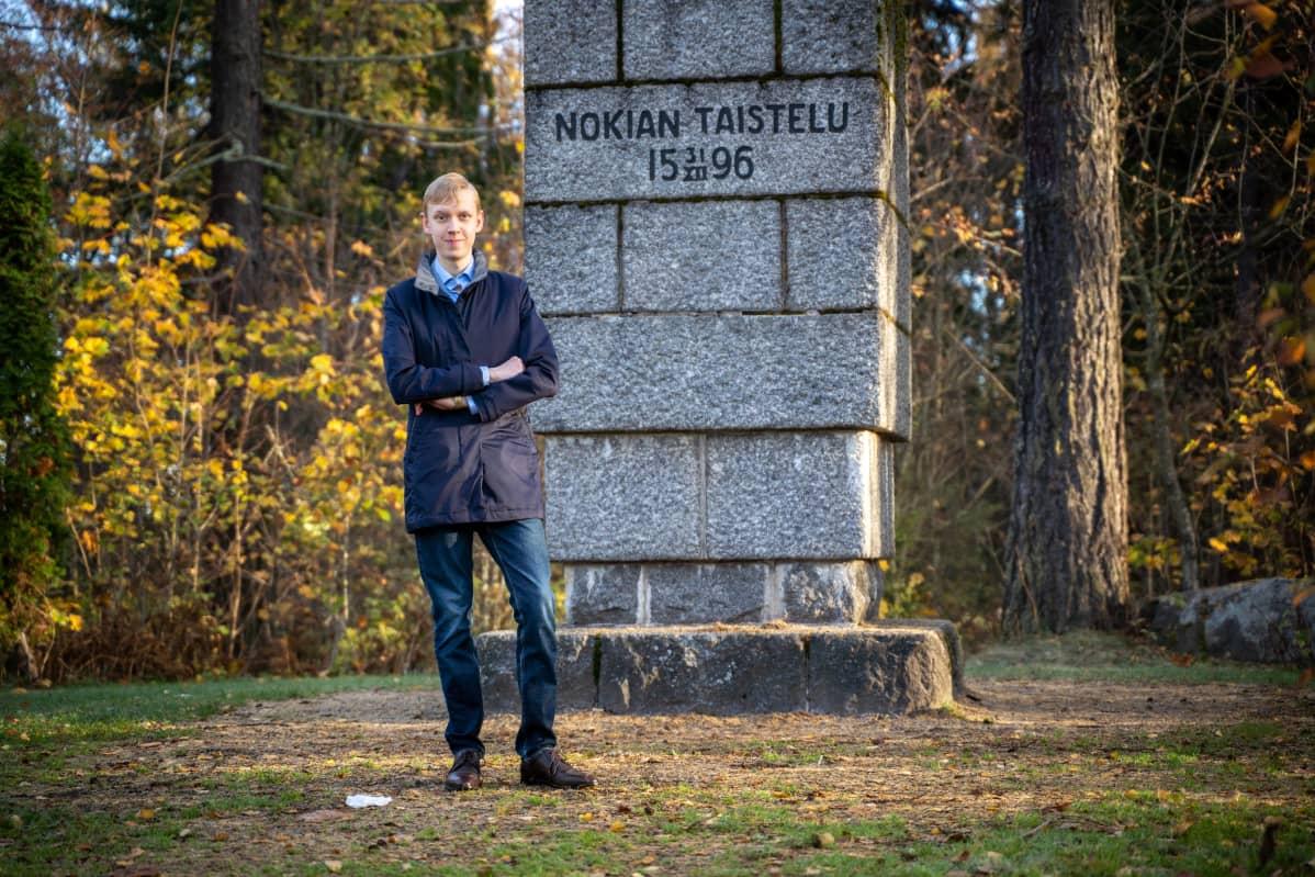 Jere Tuononen ja Nokian taistelun muistomerkki