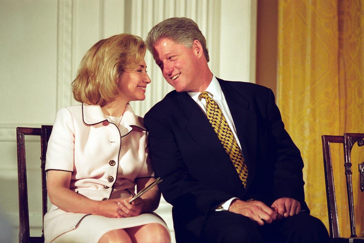 Hillary ja Bill Clinton vuonna 1996
