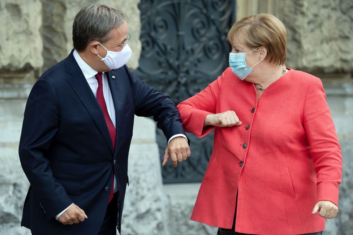 Angela Merkel ja Armin Laschet.