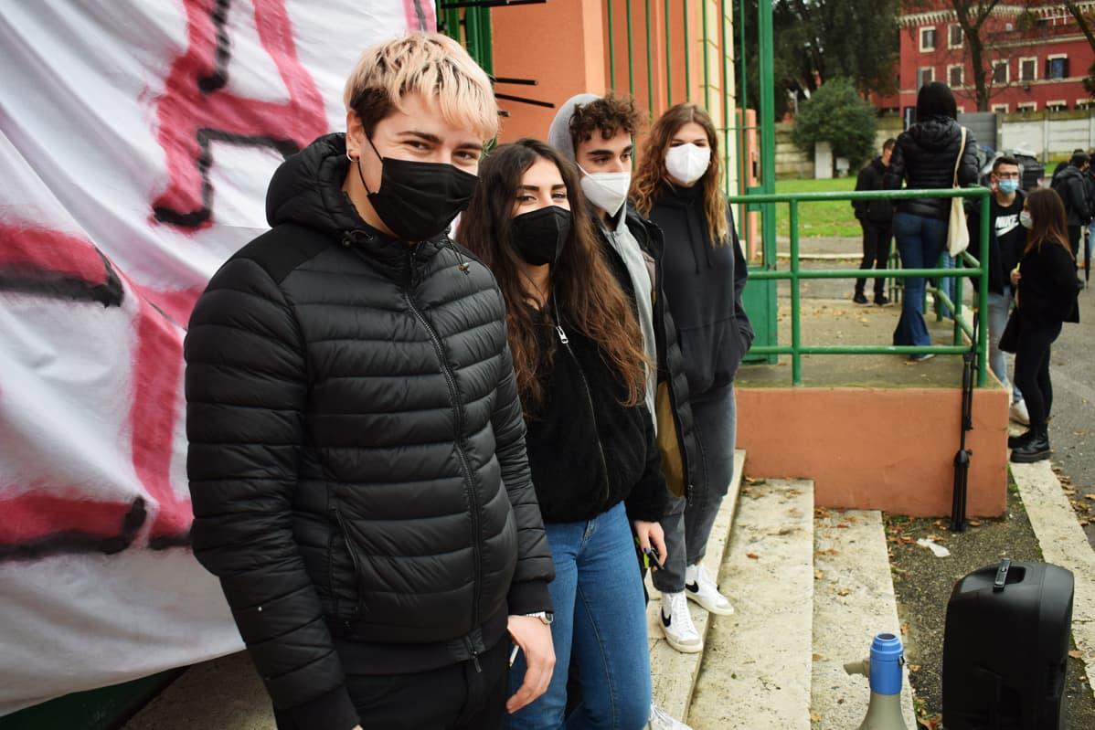 Alessio Ruta ja muut koulunvaltaajat