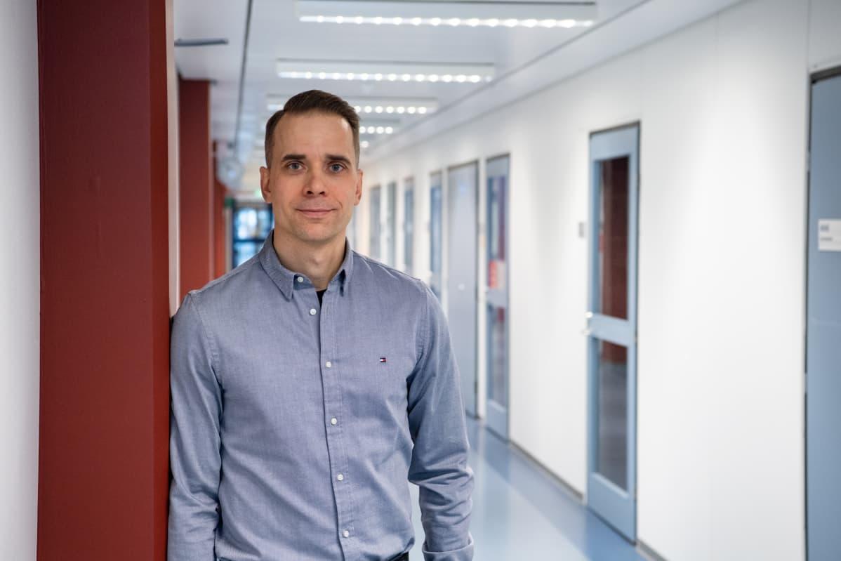 Itä-Suomen yliopiston kliinisen mikrobiologian ja immunologian professori, ylilääkäri Tuure Kinnunen