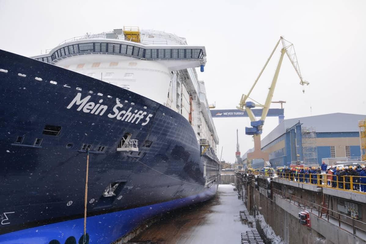 Mein Schiff 5 Meyerin Turun telakalla.