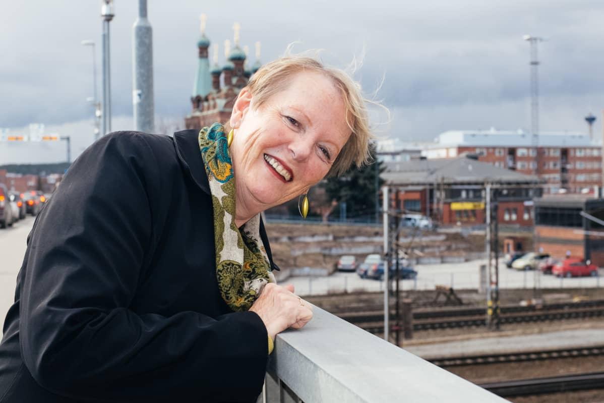 Professori Katherine Gibson