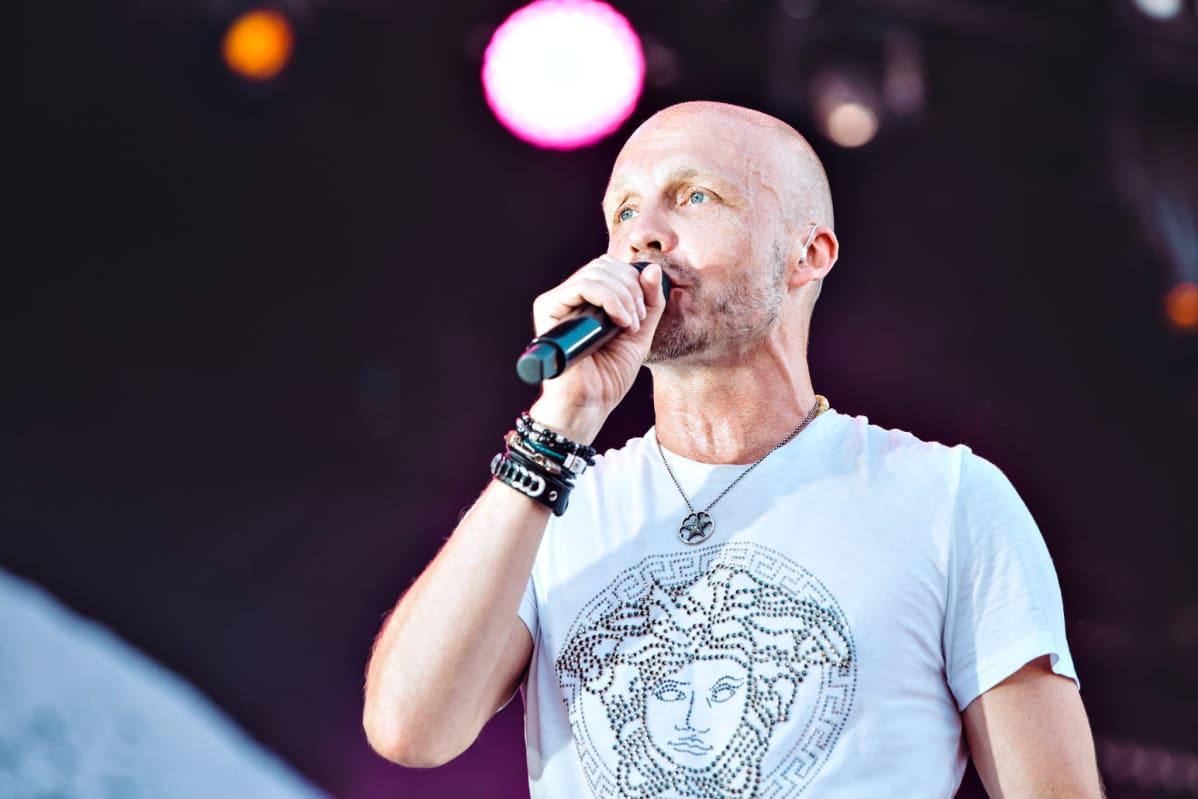 Juha Tapio Ilosaarirockissa vuonna 2018.