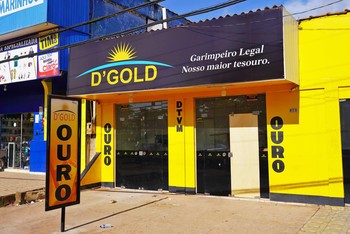 Kultakauppa Novo Progresson kaupungissa Brasiliassa