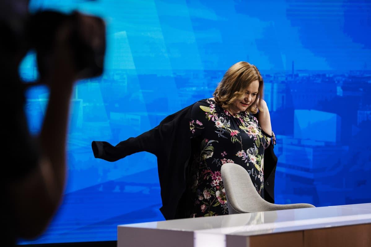 Krista Kiuru vieraili Ylen Ykkösaamussa 21. marraskuuta 2020.