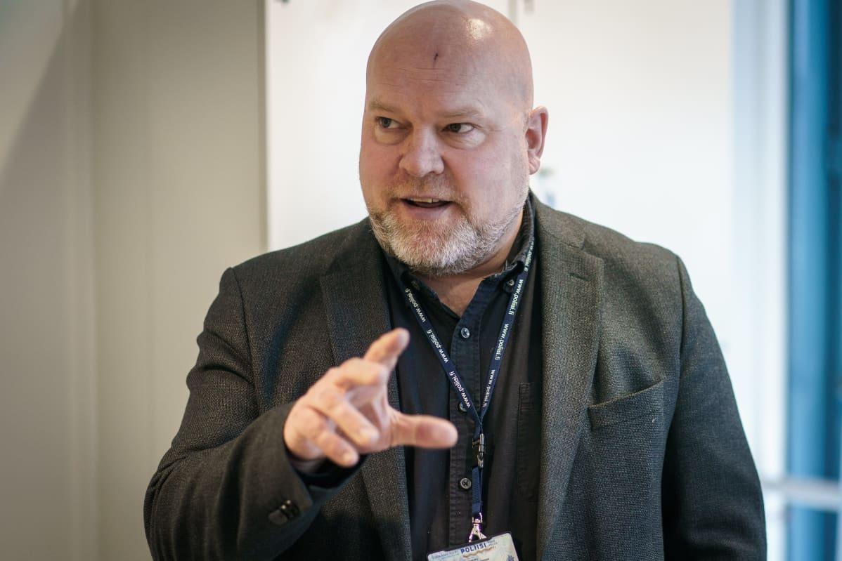 Johtava rikoskomisario Joni Länsipuro.