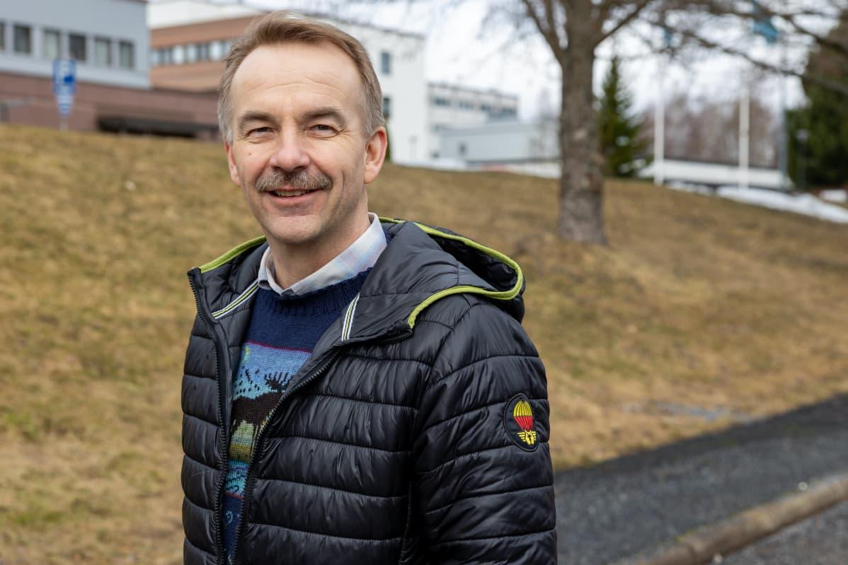 Keskustan kansanedustaja Arto Pirttilahti