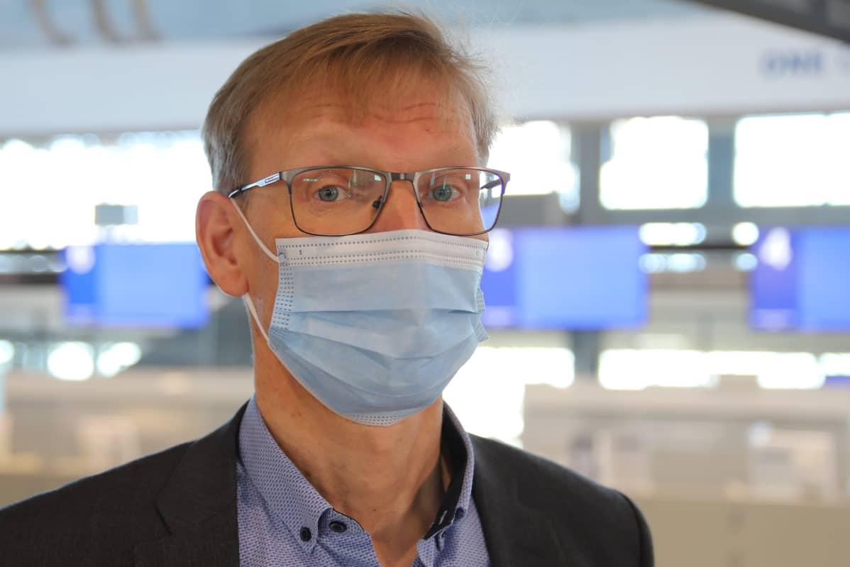 Rovaniemen lentoaseman päällikkö Johan Juujärvi