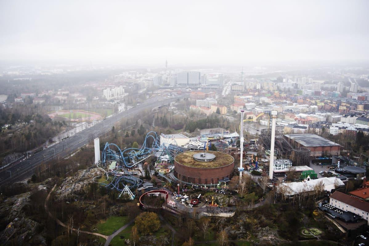 Ilmakuvassa on Helsingin Linnanmäki toukokuussa 2021.