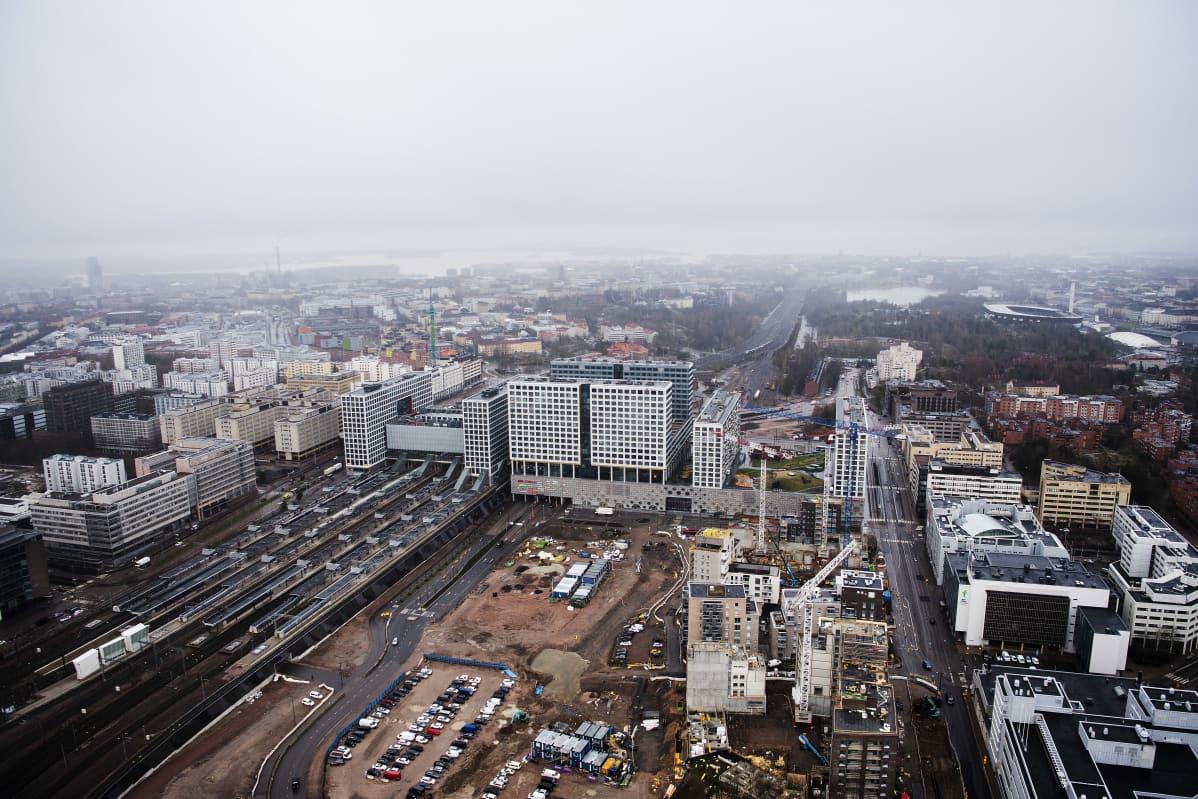 Ilmakuvassa on Helsingin Pasilan asema toukokuussa 2021.