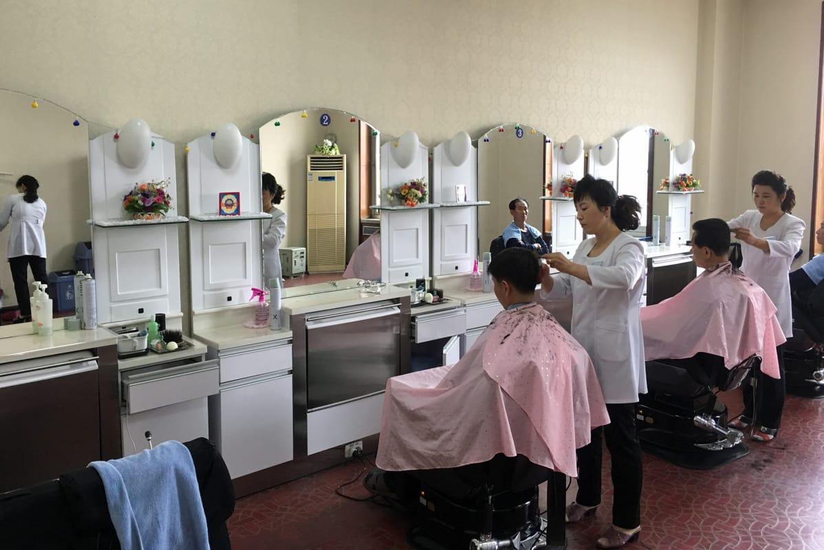 naisten lyhyitä hiusmalleja seikkailuseuraa