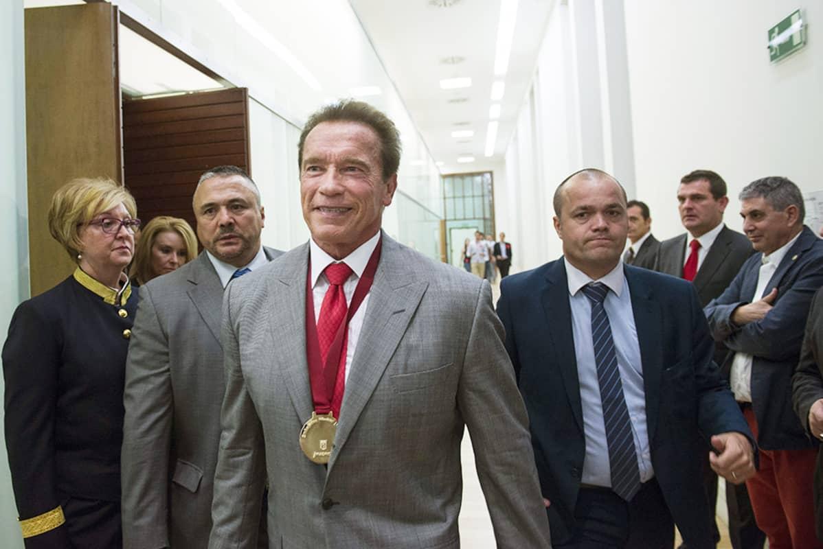 """Arnold Schwarzenegger syyskuun 26. päivä Madridissa, jossa hänen nimettiin kaupungin """"matkailulähettilääksi""""."""