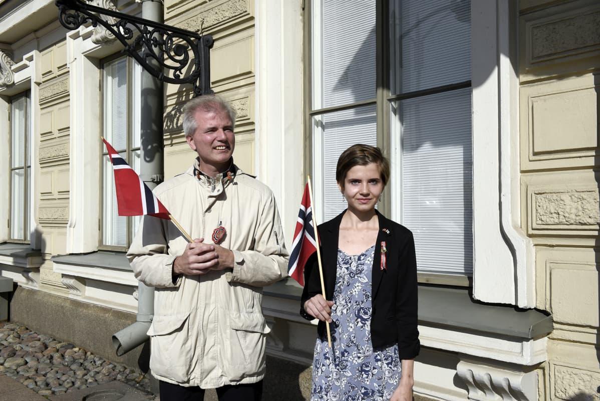 Tasavallan presidentti Sauli Niinistö ja rouva Jenni Haukio tapasivat Norjan kuningasparin presidentinlinnassa.