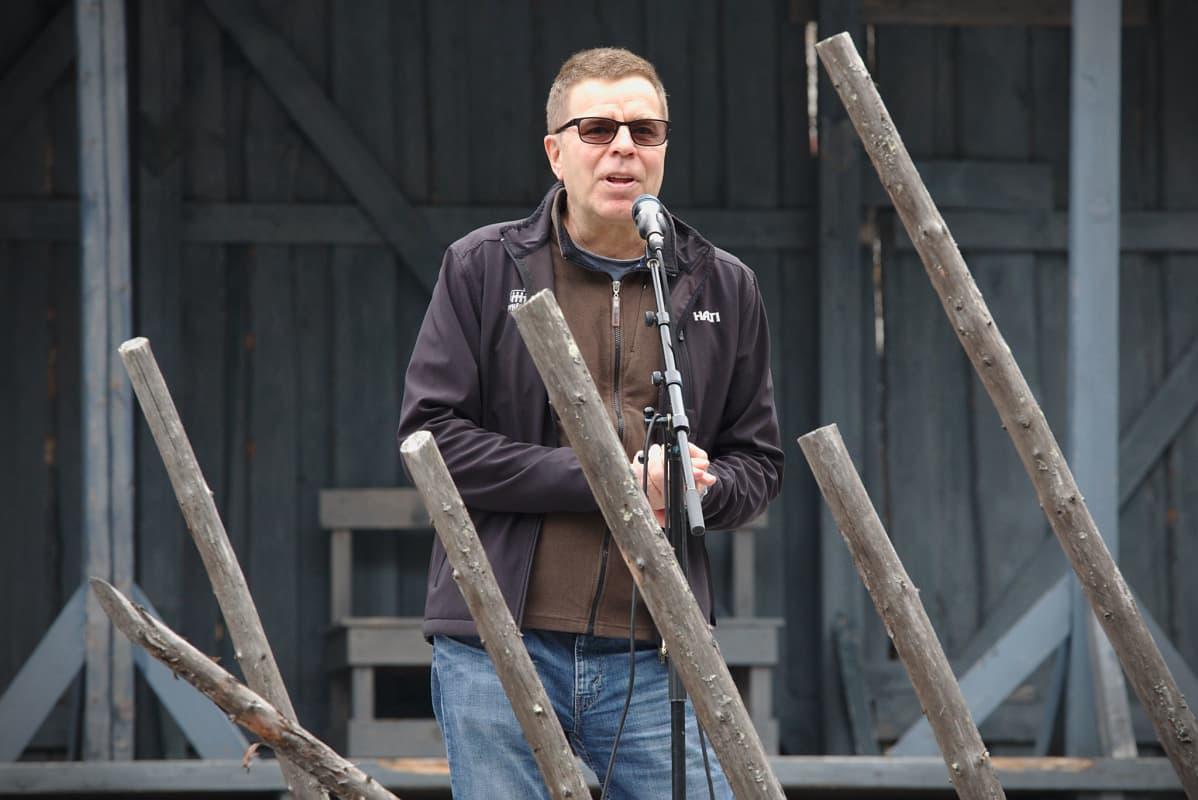 Mato Valtonen, Pyhä Unplugged -festivaalin taiteellinen johtaja.