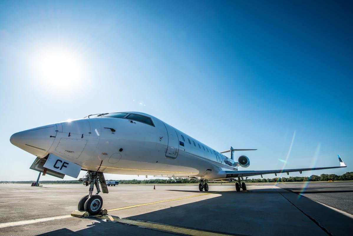 Virolaisen  XFlyn Bombardier CRJ-700 -kone