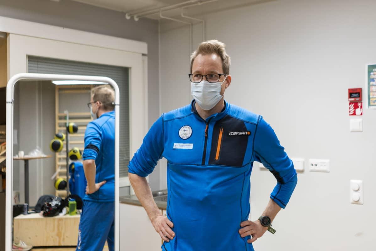 Olli Ohtonen Vuokatti-Ruka olympiavalmennuskeskuksen testisalissa.