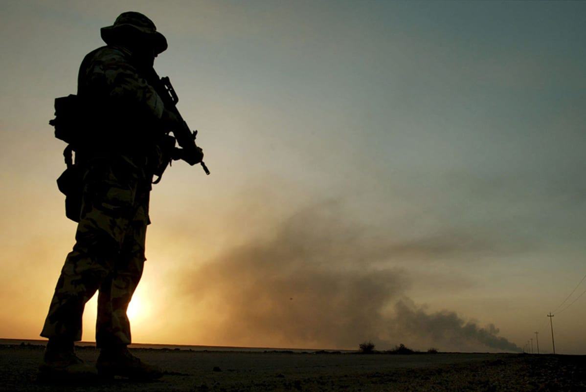 Brittisotilas eteläisessä Irakissa 28. maaliskuuta 2003.