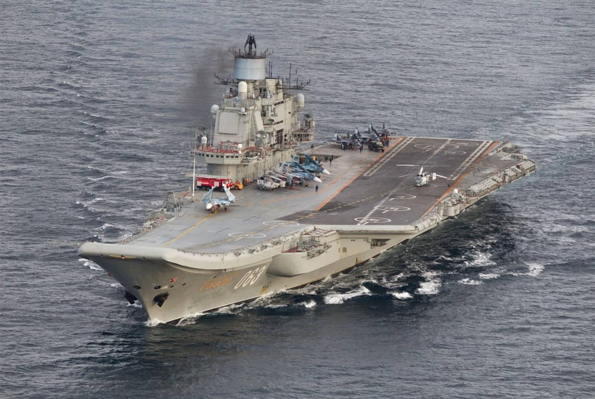 venäläinen lentotukialus
