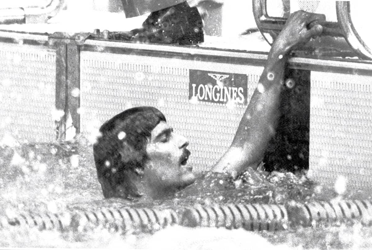 Mark Spitz sekauintikisan jälkeen Münchenin olympialaisissa syyskuussa 1972.