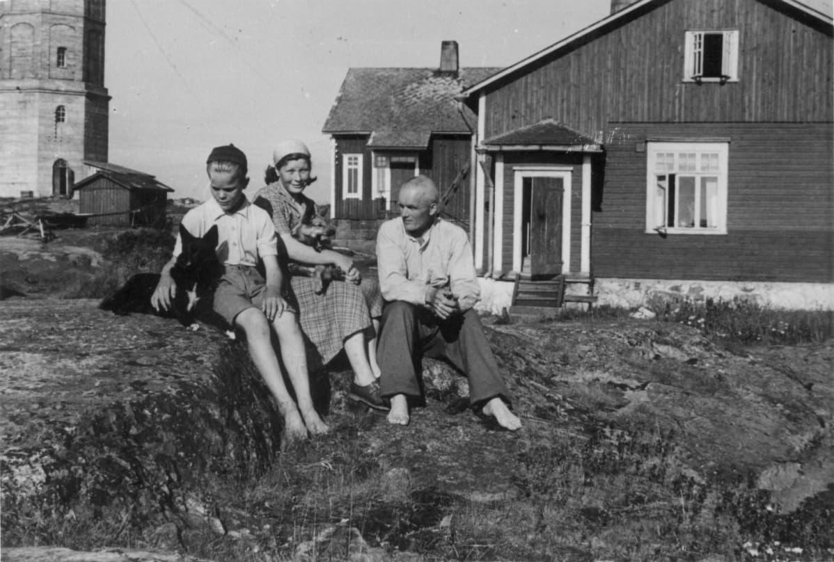 Sipilän perhe Sipilän 1940-luvun lopulla Söderskärillä