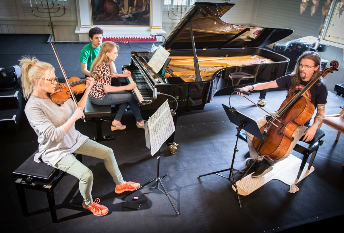 Lampenius, Mikkola ja Kivilaakso soittavat Iitin musiikkijuhlilla.