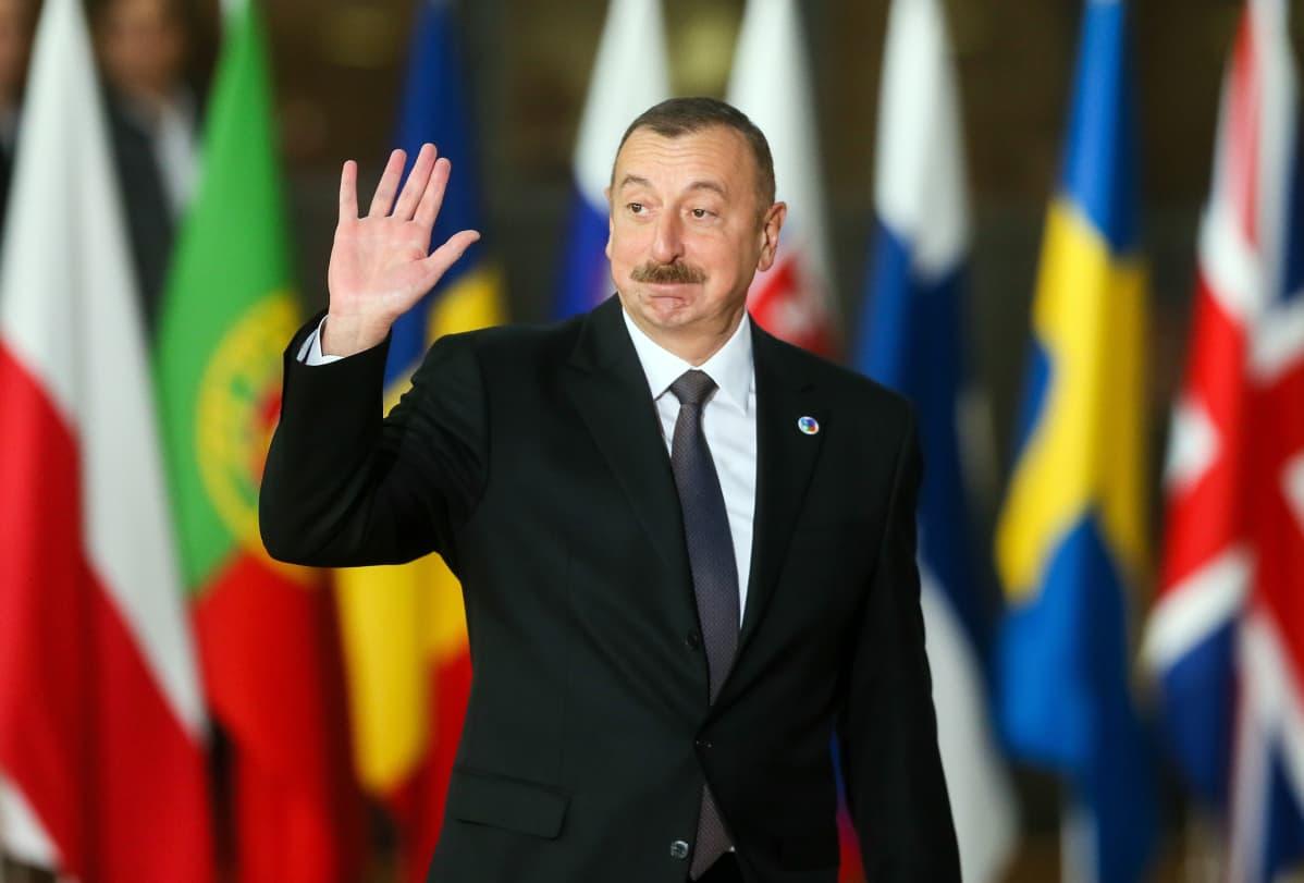 Azerbaidžanin presidentti Ilham Alijev huippukokouksessa Brysselissä.