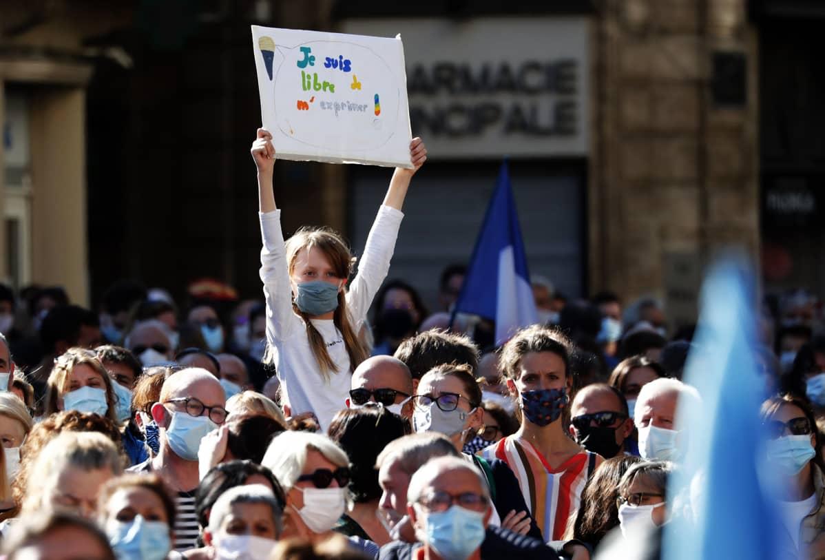 Sananvapautta puolustava mielenosoitus Montpellierissä.