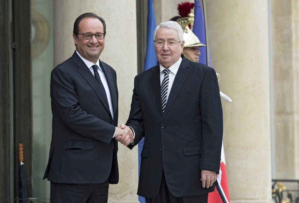 Ranskan presidentti François Hollande ja Abdelkader Bensalah