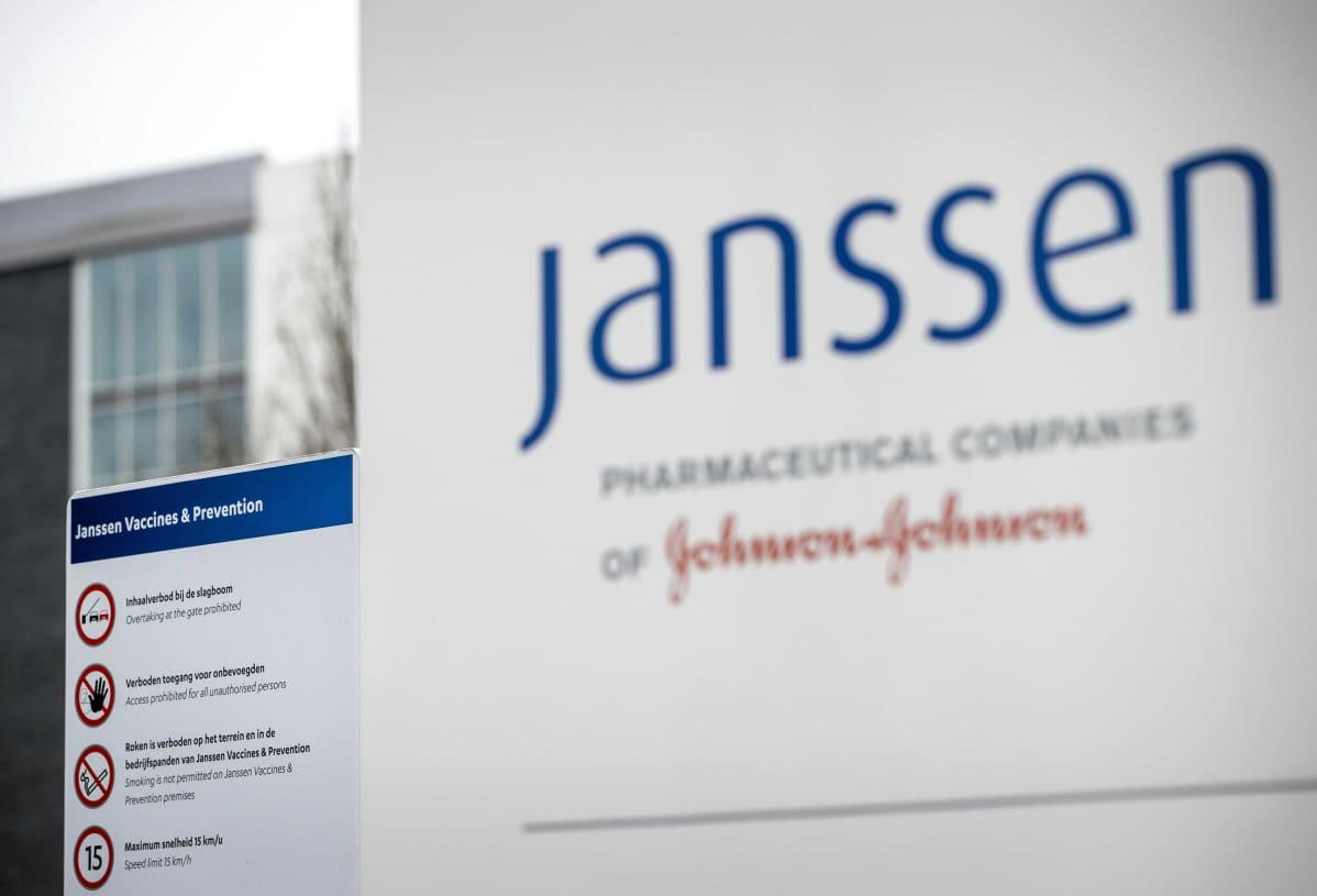 Johnson&Johnsonin rakennus Leidenissa, Alankomaissa. Amerikkalaisen yhtiön kehittämä rokote on saamassa myyntiluvan.