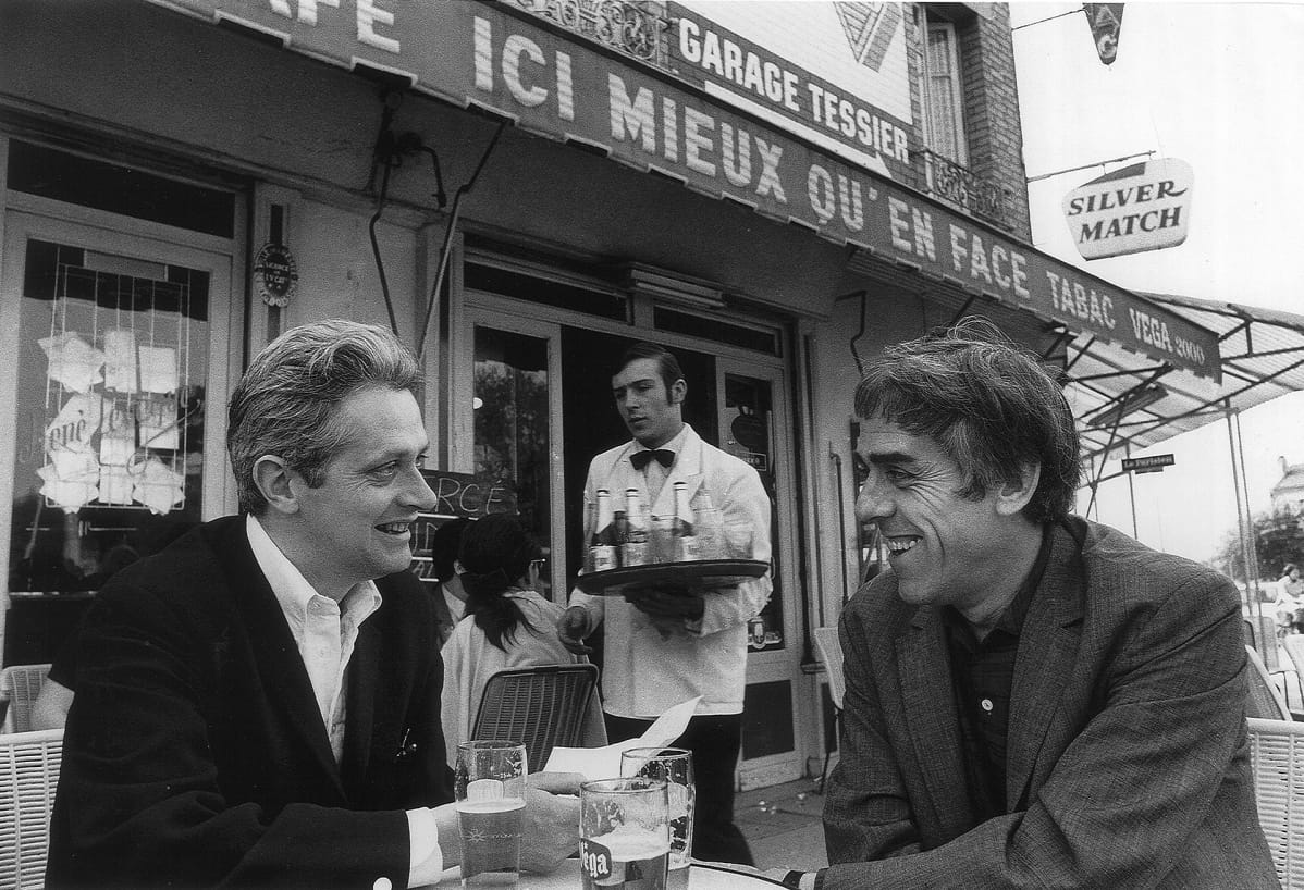 Raoul Coutard ja Peter Lennon kahvilassa Pariisissa 1968