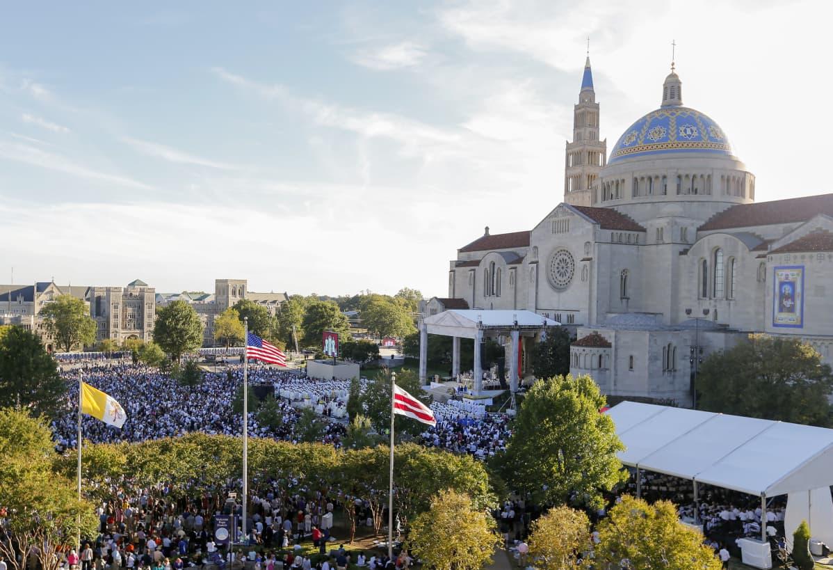 Amerikan katolisella yliopistolla Washingtonissa riitti vilinää syksyllä 2015, kun paavi Franciscus vieraili kampuksella.