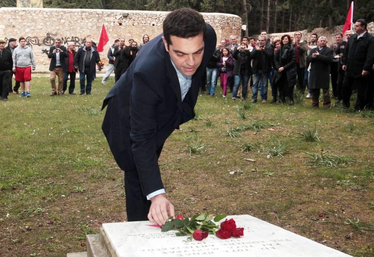 Kreikan pääministeri Alexis Tsipras vieraili Ateenassa sijaitsevalla natsien uhrien muistomerkillä 26. tammikuuta.