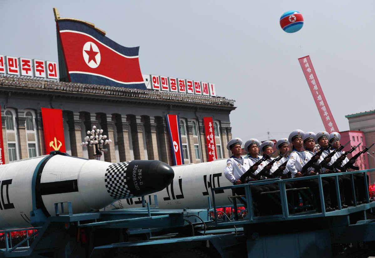 Paraati Pjongjangissa.