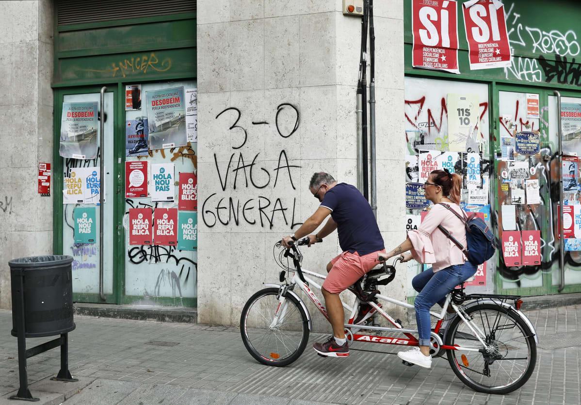 Barcelonassa oleva seinäkirjoitus vaatti yleislakkoa.