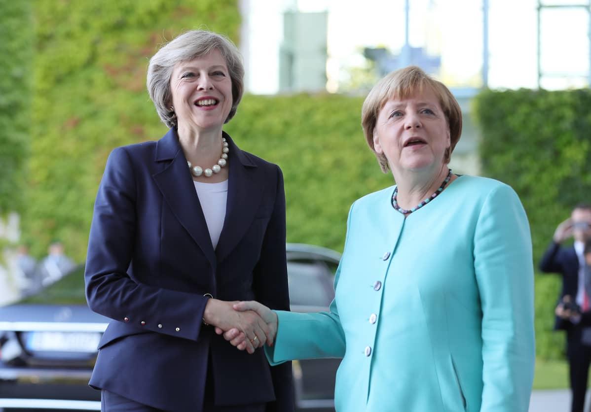 Angela Merkel ja Theresa May Berliinissä 20. heinäkuuta 2016.